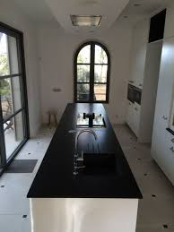 pose d un plan de travail cuisine fourniture et pose d un plan de travail de cuisine en granit noir du