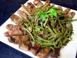 comment cuisiner le foie de veau foie de veau aux haricots verts recette légumes supertoinette