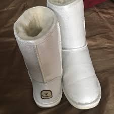 bearpaw s boots sale 56 bearpaw shoes silver white bearpaw boots from