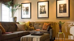 Decorating Ideas For Family Rooms - Family room wall decor