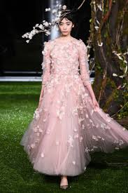 robe mariã e haute couture grazia chiuri extends haute couture collection in
