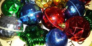 selling vintage ornaments and decorations