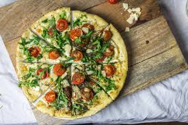 cuisiner les tomates cerises pizza italienne tomates cerise parmesan et roquette cuisine moi un