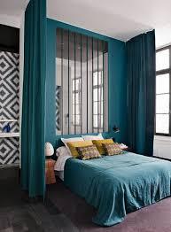 separation pour chambre la séparation de pièce amovible optez pour un rideau turquoise
