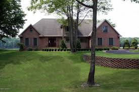 canadian homes 9359 briarstone canadian lakes mi mls 17039722 canadian