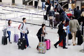 American Baggage Fees Airline Baggage Fees Capped At 4 50 It U0027s A Ploy To Raise
