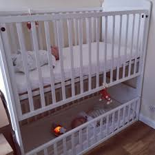 Baby Cribs Decorating Ideas by Modern Makeover And Decorations Ideas Twin Baby Crib Divider