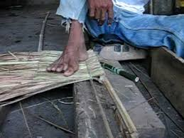 How To Build A Tiki Hut Roof How To Make Thatch Roof Youtube