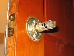 How To Unlock A Bathroom Door Knob Remove A Door Knob That Has No Screws Mike U0027s Tech Blog