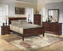 alisdair 5 traditional style brown finish bed