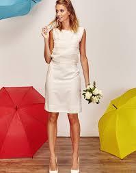 tailleur mariage robe de mariée tailleur jupe crayon courte blanche avec volant de