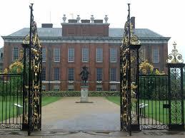 kensington palace tripadvisor king william iii statue through the gates at kensington palace