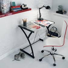 bureau chez conforama chambre d ado coussin tapis et le style pour une déco