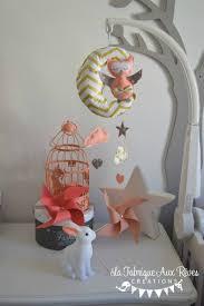 mobile enfant design mobile bébé lune chouette hibou corail abricot pêche gris doré