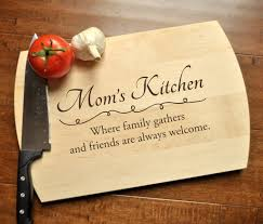 personalized mothers day gifts personalized cutting board engraved cutting board custom cutting bo