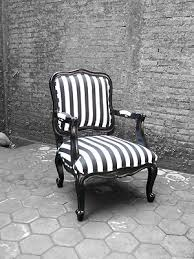 Black And White Striped Accent Chair 29 Best Deco Black And White Striped Images On Pinterest Black