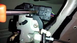 nissan murano 2005 youtube 2006 nissan murano door lock actuator replacement dorman youtube