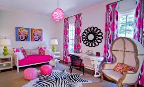 Marilyn Monroe Themed Bedroom by Ladies Feel Inspired With Interior Design