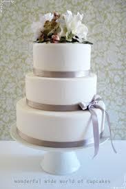 3 tier wedding cake wonderful world of cupcakes wedding cake with flowers