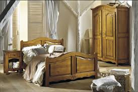 chambre à coucher en chêne massif chambre chene massif maison design wiblia com