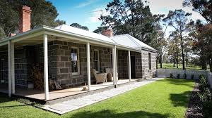 cool cabin barunah plains station cool cottage accommodation geelong the