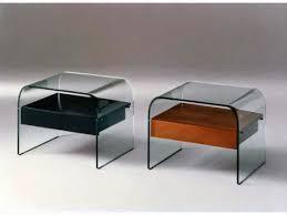 comodini in cristallo infabbrica tavolini in vetro curvato contemporanei e di stile