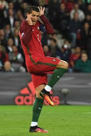 Memes De Cristiano Ronaldo - la rid祗cula postura de cristiano que le convierte en carne de meme