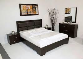 chambre de nuit chambre a coucher en bois massif idées de décoration capreol us