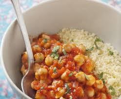 cuisiner des pois chiches semoule aux pois chiches et à la tomate recette de semoule aux