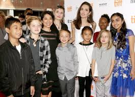 Jolie Chance Do 2017 Jpg Angelina Jolie Looks Happy With Children On Red Carpet After Brad