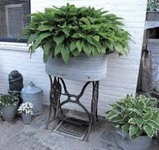 Galvanized Trough Planter by Best 20 Galvanized Tub Ideas On Pinterest Farmhouse Outdoor