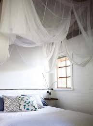 accessoire salle de bain orientale toile moustiquaire en tant qu u0027accessoire déco pratique et