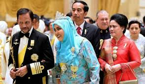sultan hassanal bolkiah plane how facebook era made the monarchies of malaysia brunei relevant