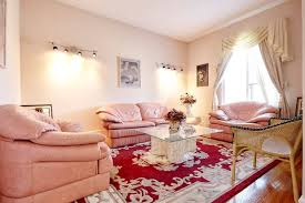 bedrooms galore white house canada brampton castles for rent