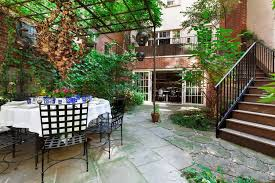 Nyc Backyard Meryl Streep U0027s Former Nyc Home On The Market Connecticut Post