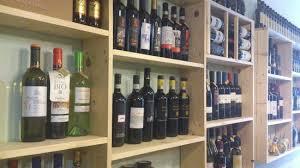 lo scaffale lo scaffale dei vini picture of delizie di ale e helga