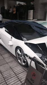 crashed white lamborghini valet parker obliterates lamborghini gallardo spyder