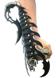 Cool Looking - this is a pretty cool looking blade ohgizmo