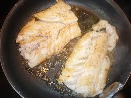 cuisiner le dos de cabillaud à la poele la cuisine de mimi dos de cabillaud au beurre blanc