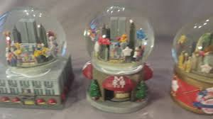 lot of 3 macy s thanksgiving day parade waterglobes 1999 2000