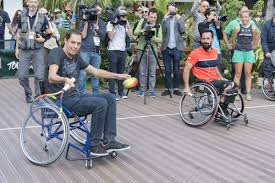 fauteuil de malade grand corps malade et michael jeremiasz lors de l opération tous