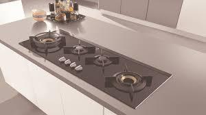 plaque cuisine gaz marvelous idee amenagement salon cuisine 2 asko lance la table
