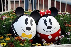 Mickey Mouse Easter Eggs Mickey And Minne Eggmouse Disney Easter And Mickey Mouse