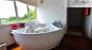 White House Bathtub Best Price On Ricky U0027s White House In Colombo Reviews