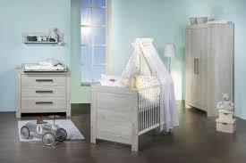 chambre bébé grise et chambre mauve bebe