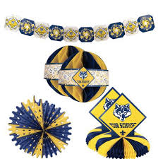 blue and gold decorations yes please cub cub