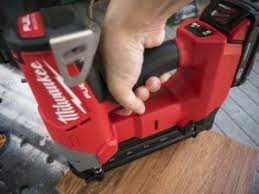 pneumatic vs cordless nailers what u0027s the best choice ptr