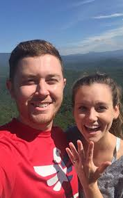 scotty mccreery fan club american idol winner scotty mccreery is engaged to longtime love