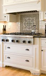 Kitchen Cabinet Backsplash Ideas by Best 20 Traditional Kitchen Backsplash Ideas On Pinterest