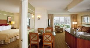 hotels with two bedroom suites in las vegas las vegas hotels hilton grand vacations at the flamingo las